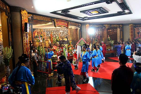 Bí thư Đinh La Thăng dâng hương tưởng niệm các vua Hùng - ảnh 11