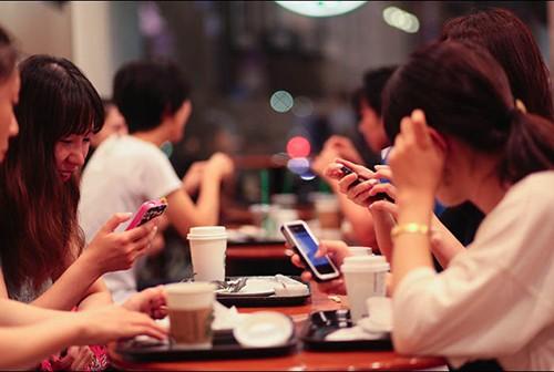 Tác hại khôn lường của mạng xã hội lên chuyện 'yêu' - ảnh 2