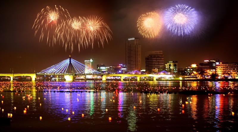 Đà Nẵng dự kiến đón 500.000 lượt khách trong dịp thi pháo hoa 2015 - ảnh 2
