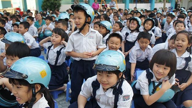Xử nghiêm hành vi gây mất an toàn giao thông cho trẻ em - ảnh 1