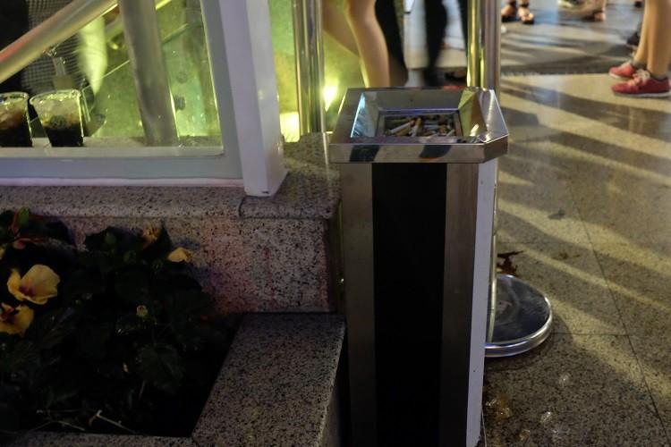 Nhà vệ sinh công cộng phố đi bộ Nguyễn Huệ sang như trong khách sạn - ảnh 4