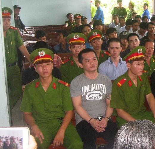 51 bị cáo bị truy tố tội giết người trong vụ xử Hiền 'kháp' - ảnh 1