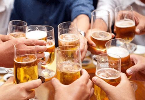 Việt Nam tiêu thu bia đứng thứ ba châu Á - ảnh 1