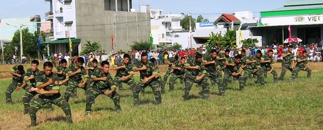 Chùm ảnh biểu diễn võ thuật đầy uy dũng của Bộ đội biên phòng - ảnh 10