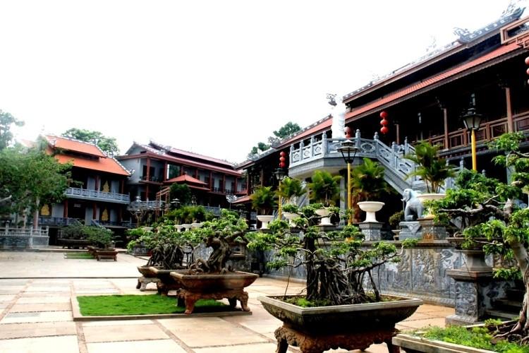 Thăm chùa do Thân Mẫu vua Bảo Đại khởi dựng - ảnh 8