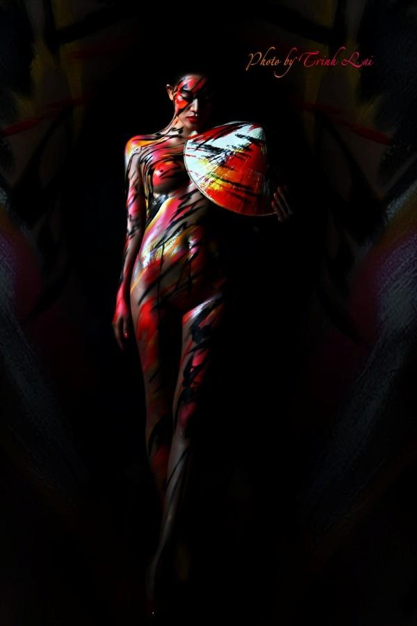 Thưởng thức nghệ thuật body painting qua những tác phẩm nóng bỏng  - ảnh 6