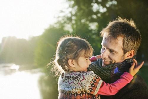 4 điều quan trọng cha cần làm cho con gái - ảnh 1