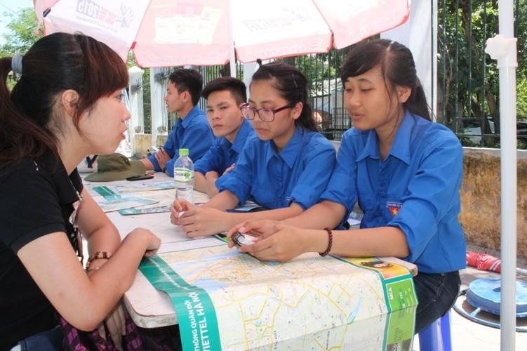 Sĩ tử khăn gói lên Hà Nội dự thi tốt nghiệp - ảnh 8