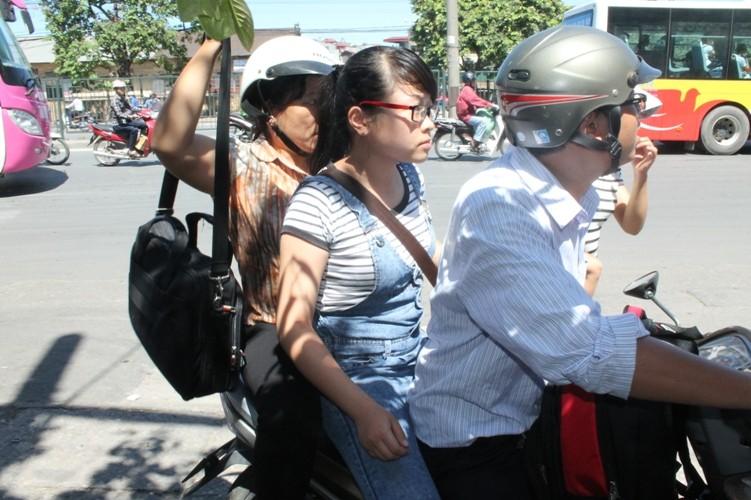 Sĩ tử khăn gói lên Hà Nội dự thi tốt nghiệp - ảnh 4