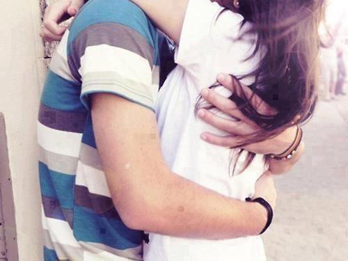 Hãy ôm nhau đi và mọi thứ sẽ ổn - ảnh 2
