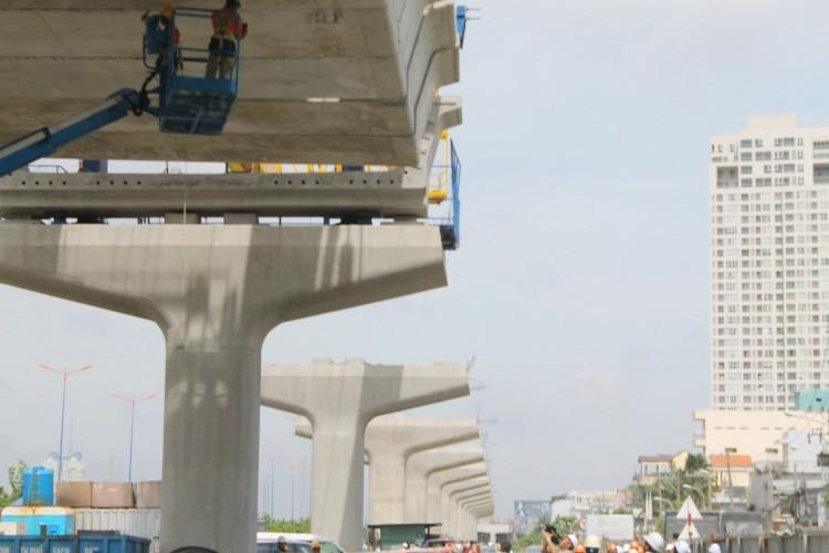 Đường sắt đô thị hiện đại nhất TP.HCM đang dần thành hình - ảnh 13