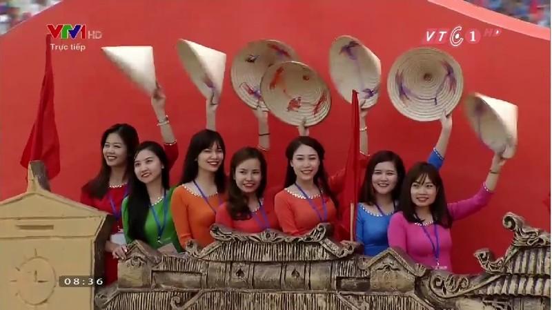 Toàn cảnh lễ mít tinh mừng 70 năm ngày Quốc khánh 2-9 - ảnh 18