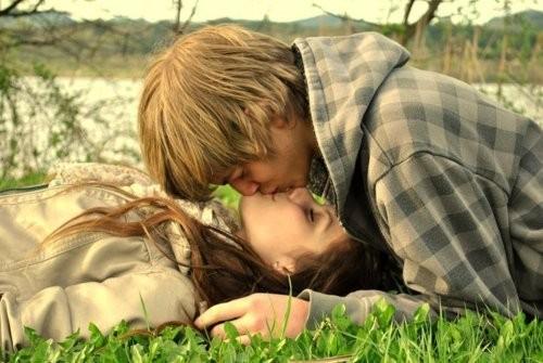 Những nụ hôn chàng yêu nhất - ảnh 2