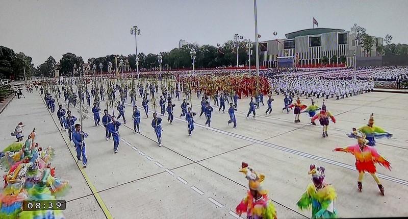 Toàn cảnh lễ mít tinh mừng 70 năm ngày Quốc khánh 2-9 - ảnh 22