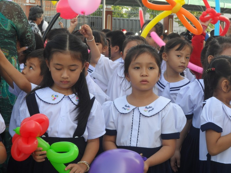 Rộn ràng lễ khai giảng năm học mới trên cả nước  - ảnh 17