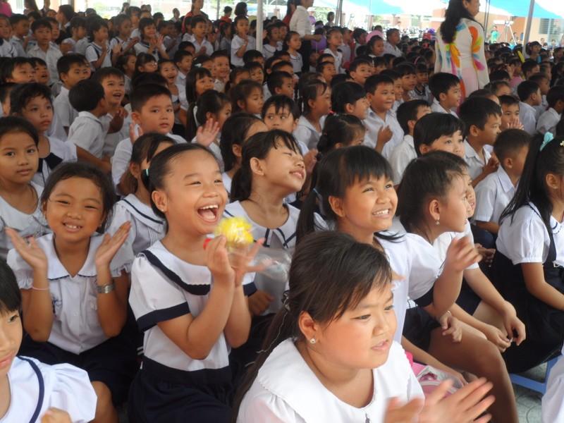 Rộn ràng lễ khai giảng năm học mới trên cả nước  - ảnh 16