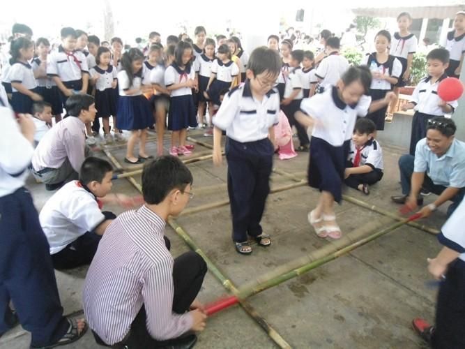 Rộn ràng lễ khai giảng năm học mới trên cả nước  - ảnh 13