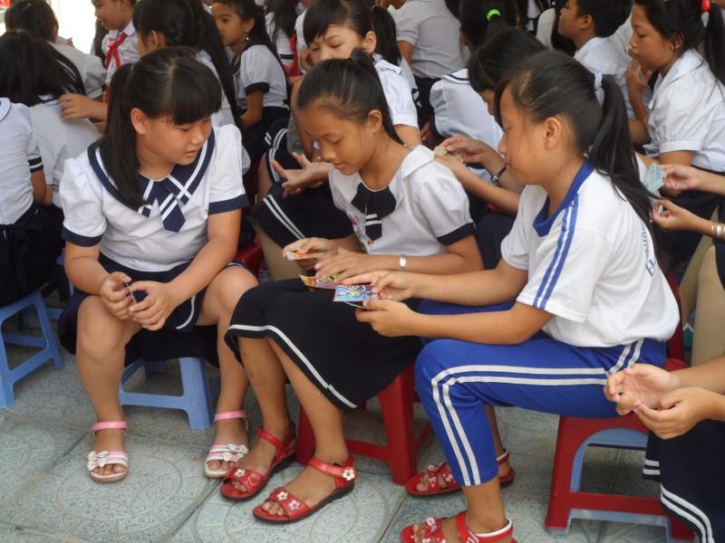 Rộn ràng lễ khai giảng năm học mới trên cả nước  - ảnh 18