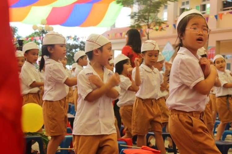 Rộn ràng lễ khai giảng năm học mới trên cả nước  - ảnh 8