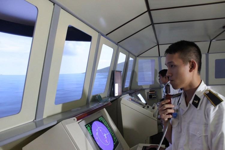 Ngắm đại dương qua cabin chiến hạm lớp Molnya 12418 - ảnh 1