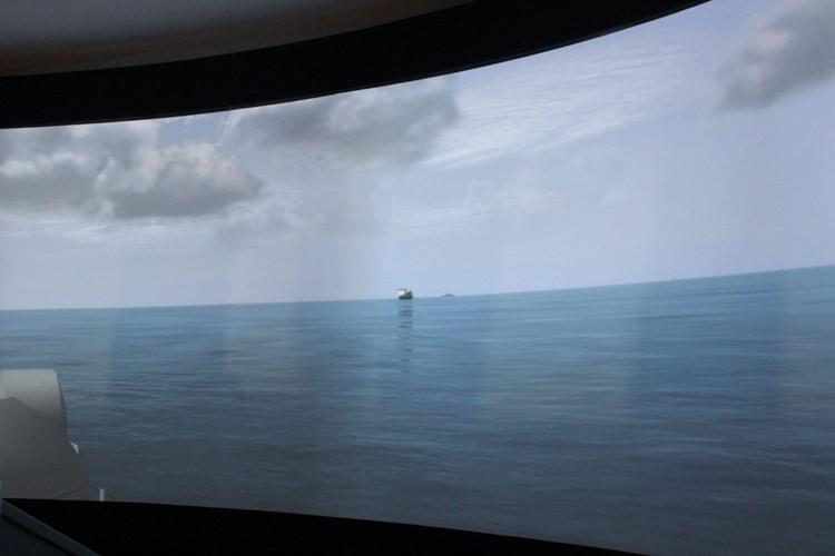 Ngắm đại dương qua cabin chiến hạm lớp Molnya 12418 - ảnh 3