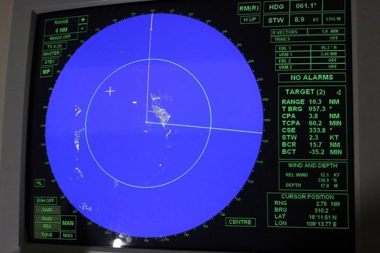 Ngắm đại dương qua cabin chiến hạm lớp Molnya 12418 - ảnh 2
