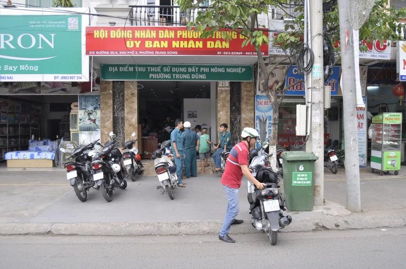 Đình chỉ vụ án vào trụ sở UBND phường chém người - ảnh 1