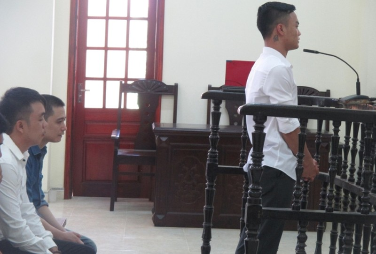 Đề nghị án 17 năm tù cho kẻ xả súng giết người - ảnh 2
