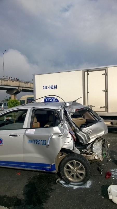 Tai nạn liên hoàn trên cao tốc Trung Lương, hai người chết - ảnh 3