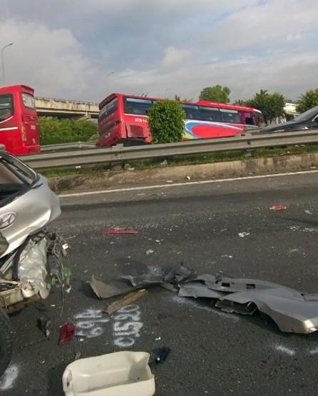 Tai nạn liên hoàn trên cao tốc Trung Lương, hai người chết - ảnh 2