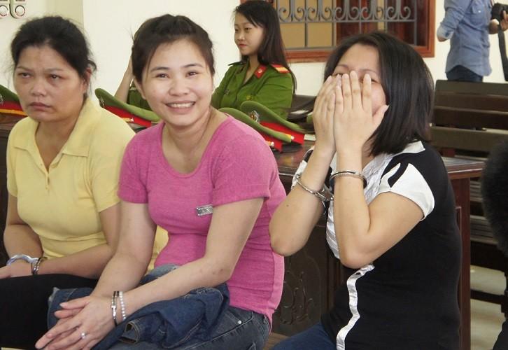 Nữ 'trùm' ma túy cười tươi khi bị tuyên án - ảnh 2