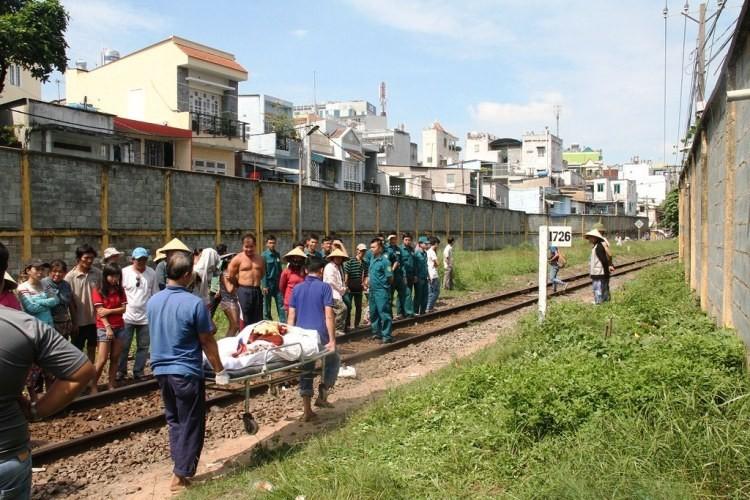 Đi trên đường sắt, người phụ nữ bị tàu hỏa cán tử vong - ảnh 2