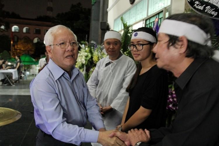 Lời chia sẻ xúc động của chủ tịch TP.HCM viếng PGS-NGND Trần Thanh Đạm - ảnh 5