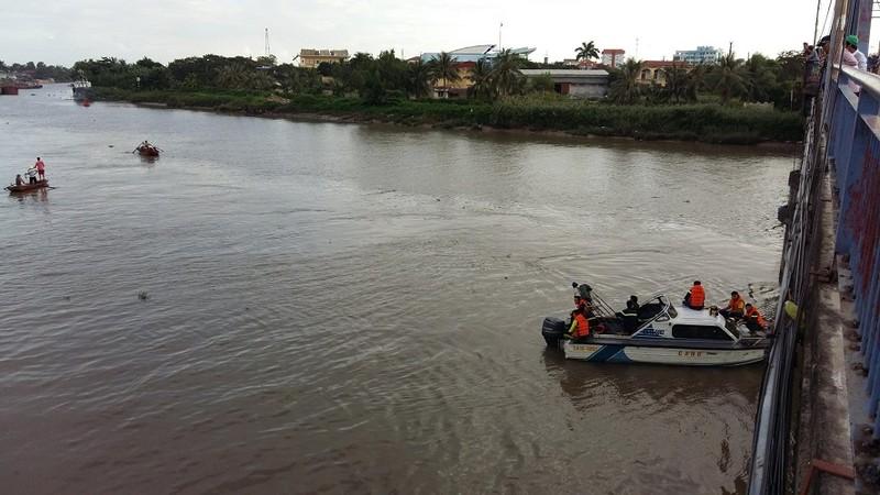 Nam thanh niên ngã xuống sông Lạch Tray mất tích - ảnh 1