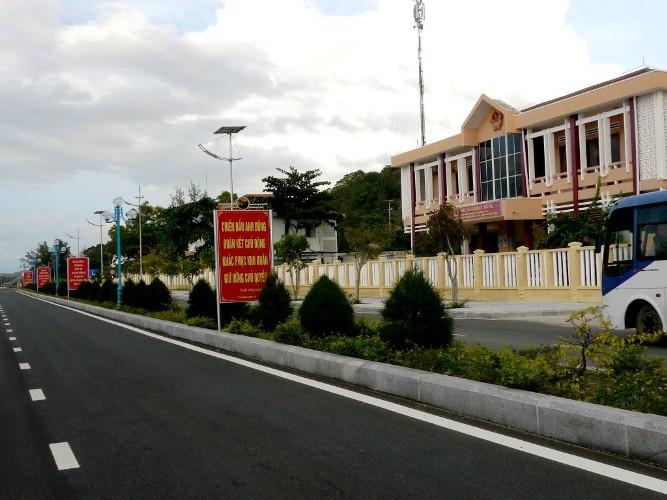 Cựu binh Trường Sa xúc động về thăm huyện đảo - ảnh 2