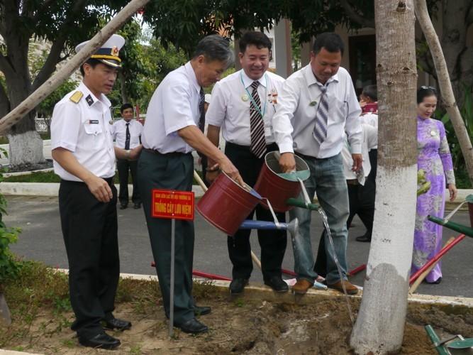 Cựu binh Trường Sa xúc động về thăm huyện đảo - ảnh 6