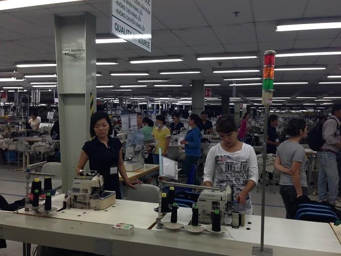 Lương tối thiểu của người lao động tăng cao nhất 400.000 đồng - ảnh 1