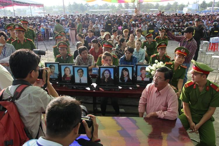 Xử vụ thảm sát Bình Phước: Dương, Tiến lãnh án tử, Thoại 16 năm tù  - ảnh 41