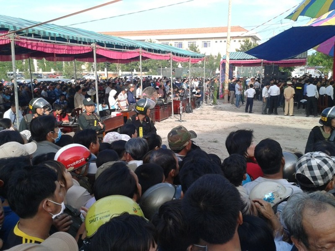 Xử vụ thảm sát Bình Phước: Dương, Tiến lãnh án tử, Thoại 16 năm tù  - ảnh 27