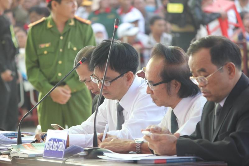 Xử vụ thảm sát Bình Phước: Dương, Tiến lãnh án tử, Thoại 16 năm tù  - ảnh 31