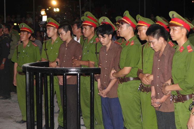 Xử vụ thảm sát Bình Phước: Dương, Tiến lãnh án tử, Thoại 16 năm tù  - ảnh 2