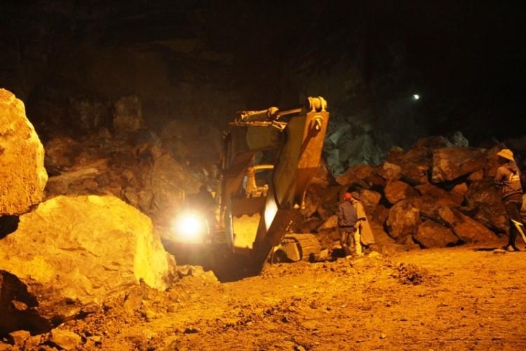 Sập mỏ đá Thanh Hóa: Vẫn hy vọng hai công nhân mất tích còn sống  - ảnh 2