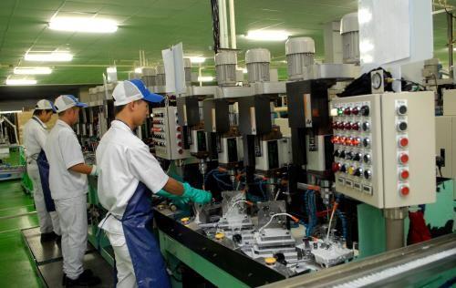 Bí thư Thành ủy Hà Nội yêu cầu chú trọng nhu cầu của công nhân  - ảnh 1