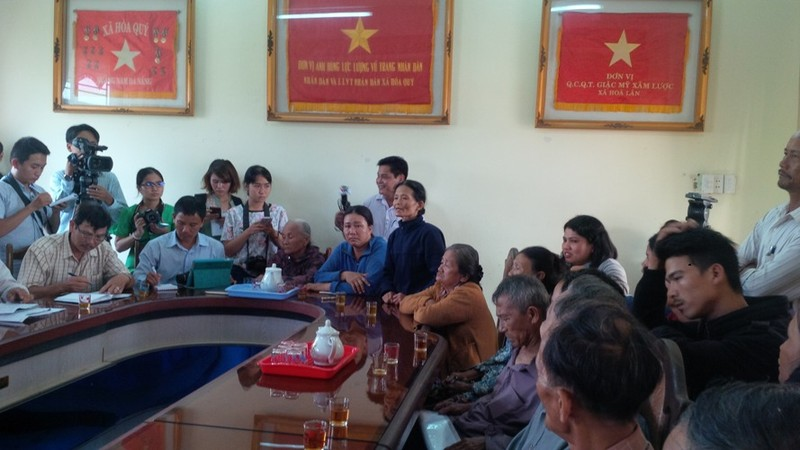 Phó giám đốc trung tâm quỹ đất Đà Nẵng trực tiếp xin lỗi dân - ảnh 1