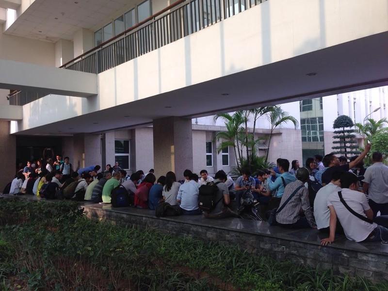 Cá chết bất thường, 150 nhà báo và cánh cửa đóng kín - ảnh 6