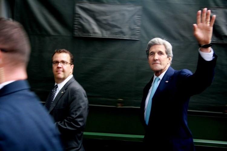 Tổng thống Obama kết thúc ngày làm việc đầu tiên tại TP.HCM - ảnh 11