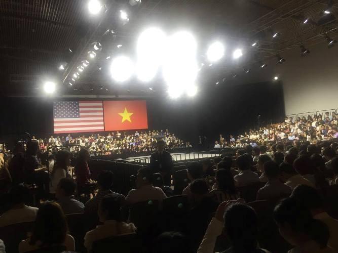 Tổng thống Obama kết thúc tốt đẹp chuyến thăm Việt Nam - ảnh 7