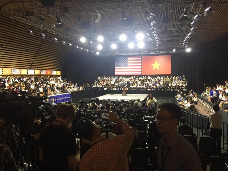 Tổng thống Obama kết thúc tốt đẹp chuyến thăm Việt Nam - ảnh 8