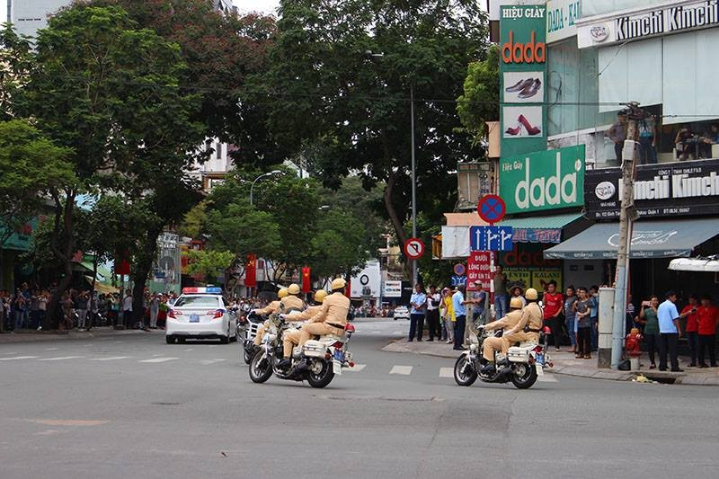 Tổng thống Obama kết thúc tốt đẹp chuyến thăm Việt Nam - ảnh 49