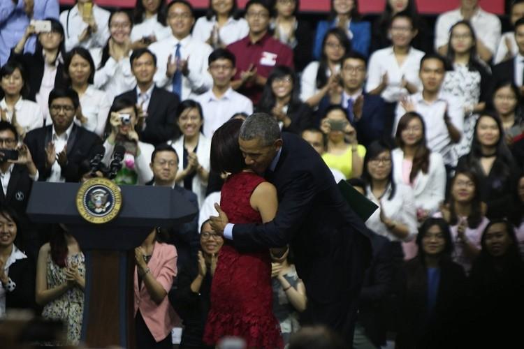 Tổng thống Obama kết thúc tốt đẹp chuyến thăm Việt Nam - ảnh 30
